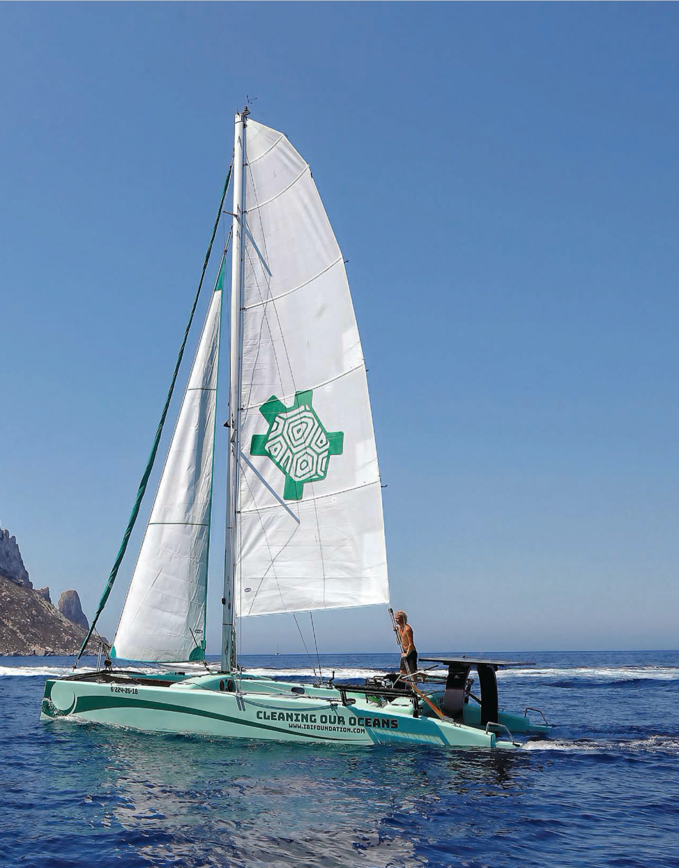 Solar Powered Clean-Up Catamaran